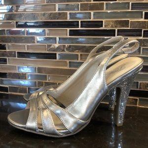 Paula Abdul Forever gold glitter heel pumps